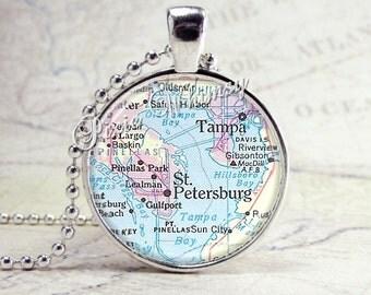 FLORIDA Map Necklace, Florida Map Pendant, Florida Necklace, Florida Pendant, Florida Jewelry, Tampa, St. Petersburg, Vintage Florida Map