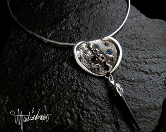 Reticulated Pendant Necklace with Sapphires and Onyx