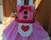 Bumps child's party apron