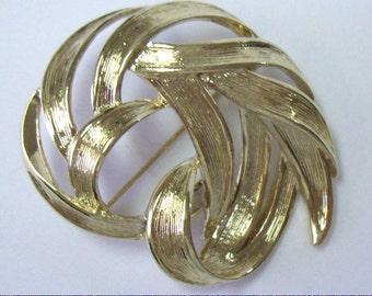 Vintage MONET Gold Swirl Ribbon Pin Brooch