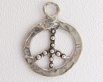 ONE Dotted Peace Sign Pendant in Sterling Silver