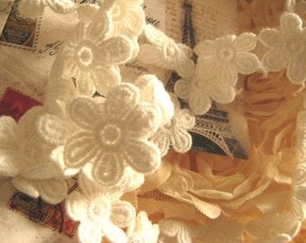 ivory  Cotton Lace Trim, Crocheted lace, retro trim lace, embroidered lace trim, daisy lace