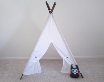 Muslin Tent With stained poles Teepee Play Tent , Tipi , Wigwam or Playhouse Pick your Muslin