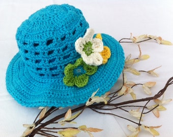 Summer blue hat for baby girl. Size 3-6 month