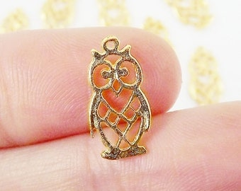 10 Sitting Fretwork Owl Charms - 22k Matte Gold Plated