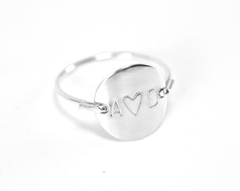 Personalized Initial Letter Monogram Heart Love Valentine BFF Stamped Hammered Round Circle Disk Charm Signet Silver Ring Jewelry