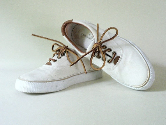 womens vintage size 7 canvas deck shoes by bass