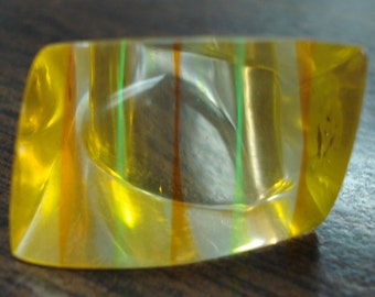 Big Vintage Lucite Ring Sz. 6 1/2