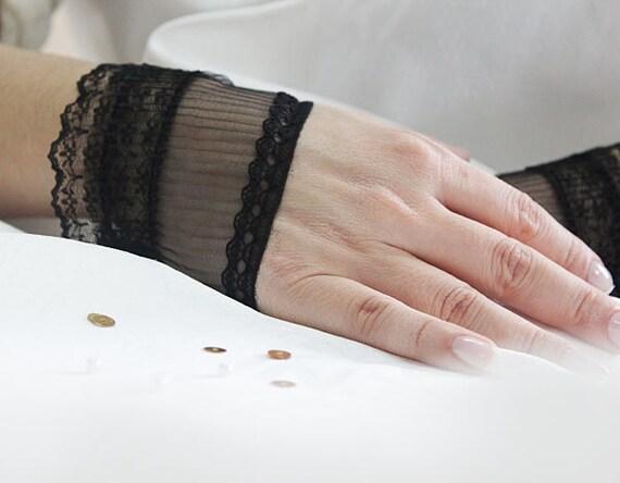 Wedding Lace-Fingerless short gloves-black lace cuff-Bridal Cuffs- Lace cuff-Bridesmaid