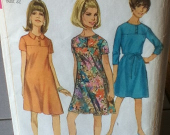"Simplicity Vintage Dress Pattern 6967 Size: 12, Bust 32"", Waist 25"", Hip 34"""