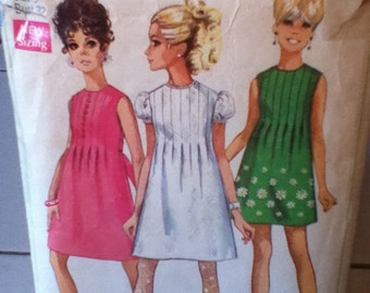 "Simplicity Vintage Dress Pattern 7633 Junior Size 9, Bust 32"",  Waist 23"", Hip 34"". Miss Size 12, Bust 34"", Waist 25"", Hip 36"""
