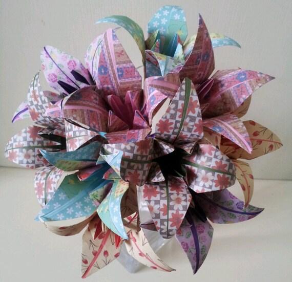Fleurs en papier origami fleur de lys bouquet mariage papier for Bouquet de fleurs origami