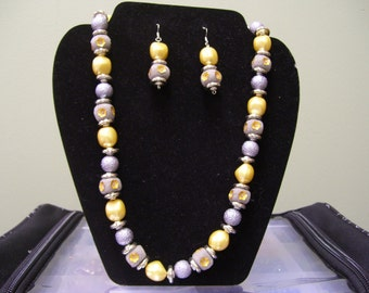 Yellow and gray necklace set