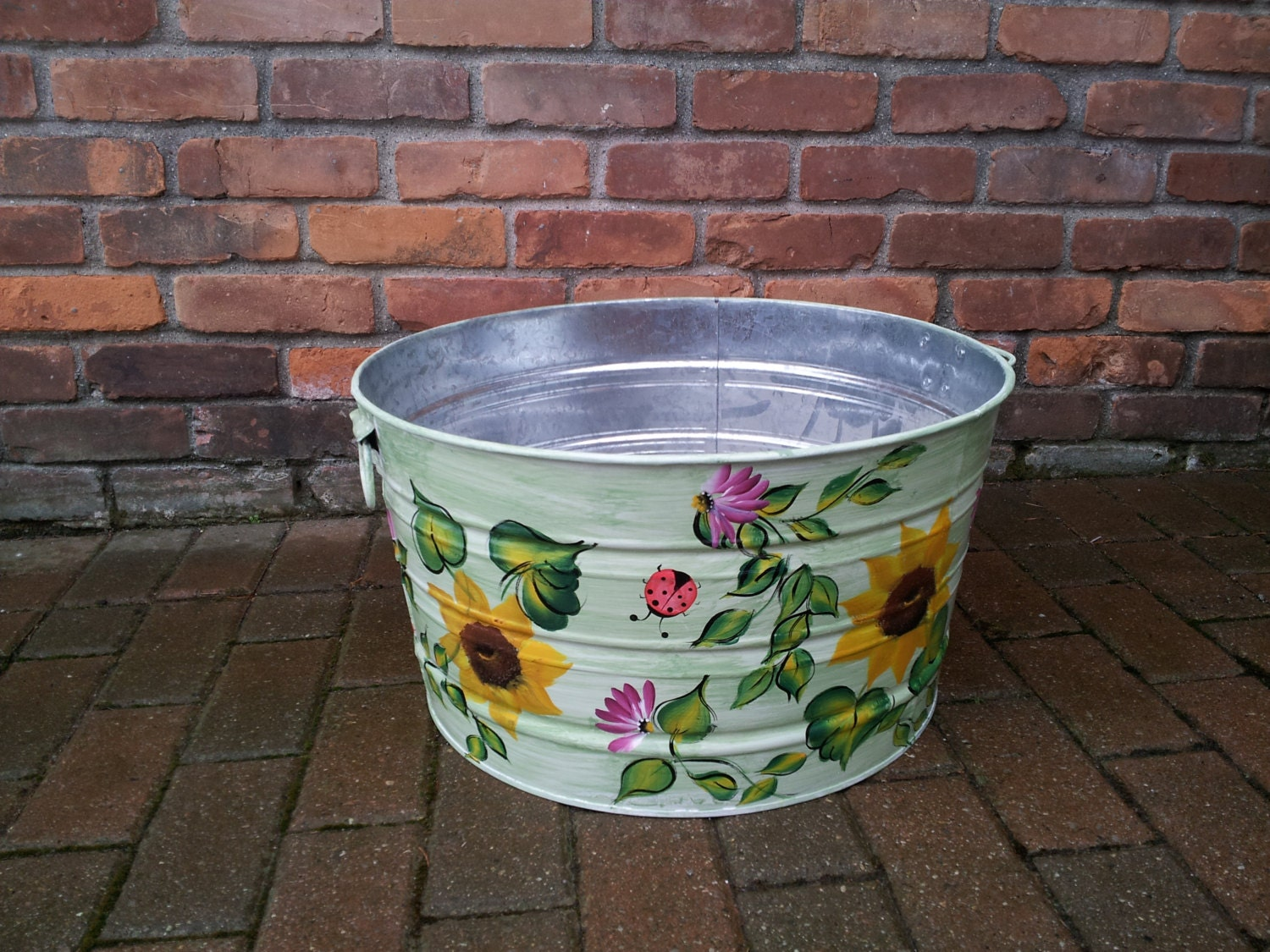 10 gallon hand painted galvanized tub