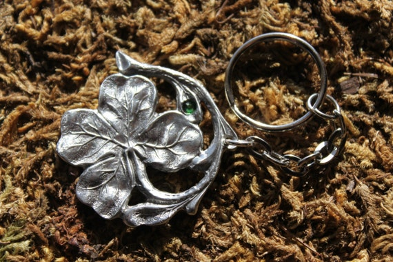 Lead Free Pewter Shamrock Keychain with Green Swarovski Jewel Clover Irish New Free Shipping