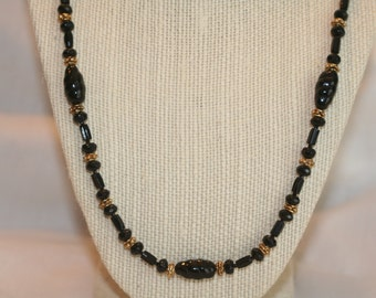 Classic Black & Gold Necklace (1020)