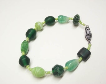 Emerald, spring, green, bracelet with dark silver fish-hook clasp.