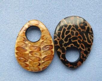 1 Eco Pendant Bee Hive & Seed Pod - Item 2080