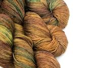 Tumbling leaves, Sock/fingering weight, 100% superwashed merino, Hand-dyed yarn