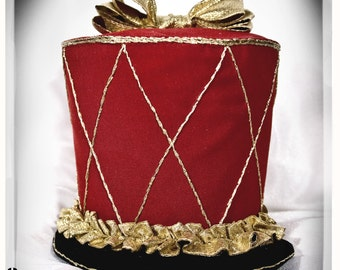 Nutcracker hat by Faust-and-Company on DeviantArt