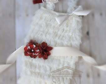 Flower girl outfit, 3 pieces ivory Petti Romper Set. Lace Petti Romper , headband and belt, Baby Girl Photo Prop