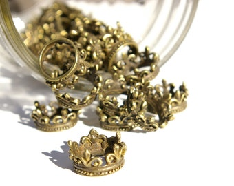 Crown Charm/Pendant - Bronze - Lot of 10 -228-