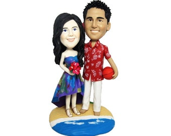 Personalised wedding cake topper - walking on the beach (Free shipping)