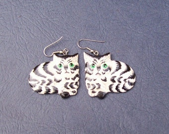 Adorable striped cat dangle earrings