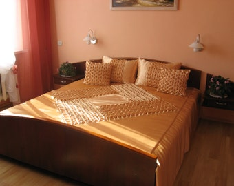 """Queen Bedspread - smocked - handmade - beige - Coverlet - Quilt 210 cm x 240 cm (82"""" x 94"""") with two pillows covers"""