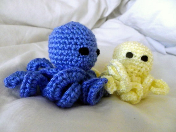 Crochet Amigurumi Octopus, with Flower or Top Hat, child/baby toy ...