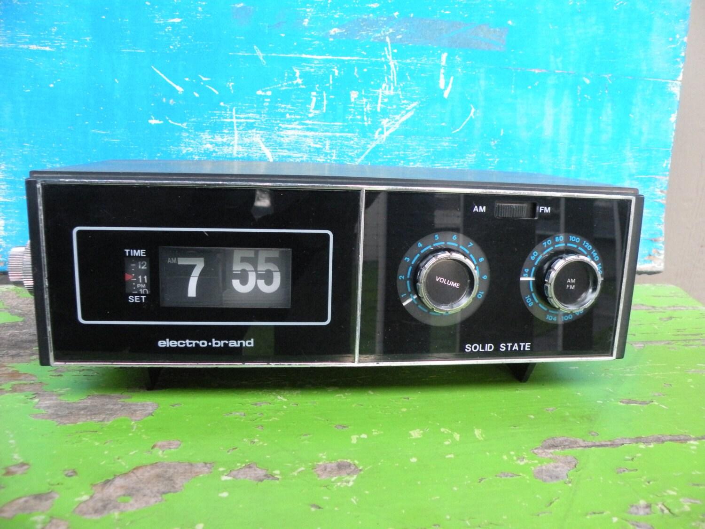 vintage electro brand solid state flip number alarm clock. Black Bedroom Furniture Sets. Home Design Ideas