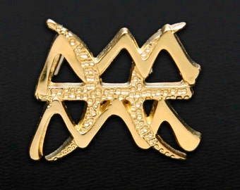 77 Aquarius and Pisces Gold Unity Pendant