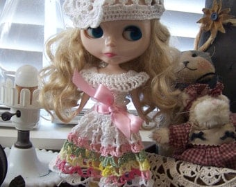 Crocheted hat and dress for Blythe
