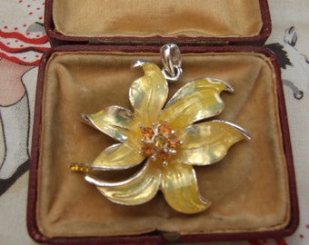Vintage style yellow  floral pendant      18