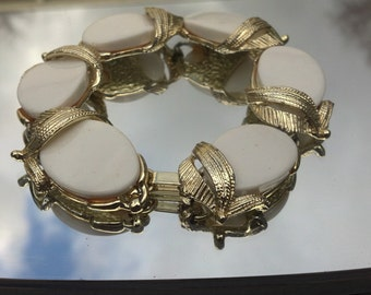 Chunky White Thermoset Bracelet 8""