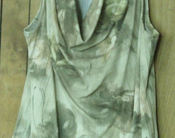 Off white and Green Cowl Neck Sleeveless Top