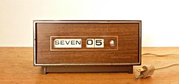 Minimalist Mod Vintage 1960's Flip Clock by Westclox in Faux Bois (Faux Wood)
