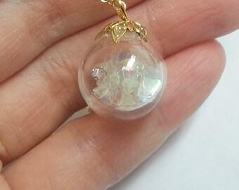 Heart-throb glass ball necklace
