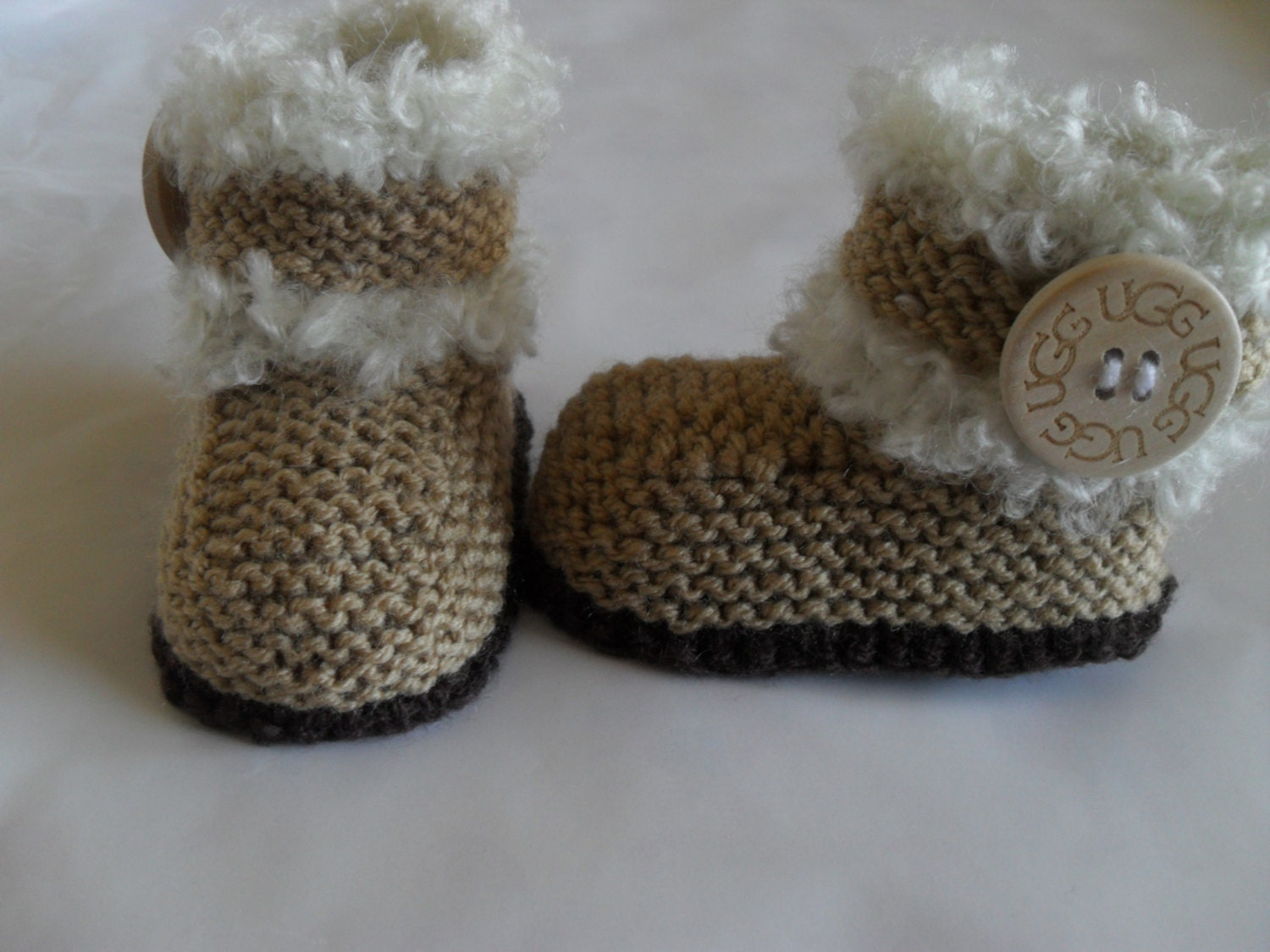 Knitted Baby Girl/Boy Booties/Boots With Ugg by MarilynsCreation