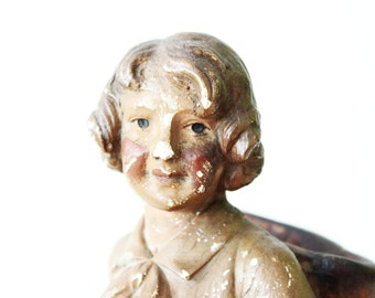 Amazing plaster Sculpture - Vintage Figurine showing of a young Boy