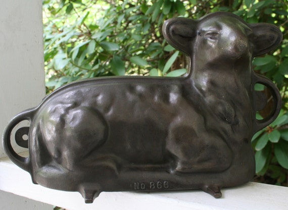 How To Use A Cast Iron Lamb Cake Mold