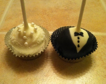 Bride and Groom Cake Pop Wedding Favors