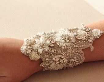 Wedding bracelet beaded on fabric - Isla