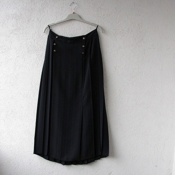 vintage accordion pleated skirt in black by damovfashion