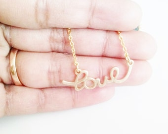love necklace,gold love charm necklace,mothers day gift,heart love pendant necklace,best friuend gift,girl friend gift