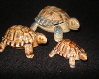 Vintage Wade Family of Tortoises