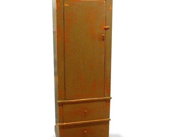 Colonial Linen Cabinet