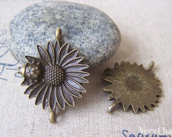 Daisy Beetle Connector Antique Bronze Flower Charms 23x30mm Set of 10 pcs A4523