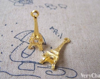 20 pcs of Gold Tone 3D Eiffel Tower Charms 8x23mm A3471