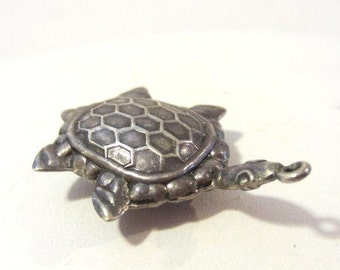 Antique Vintage sterling silver Turtle pendant